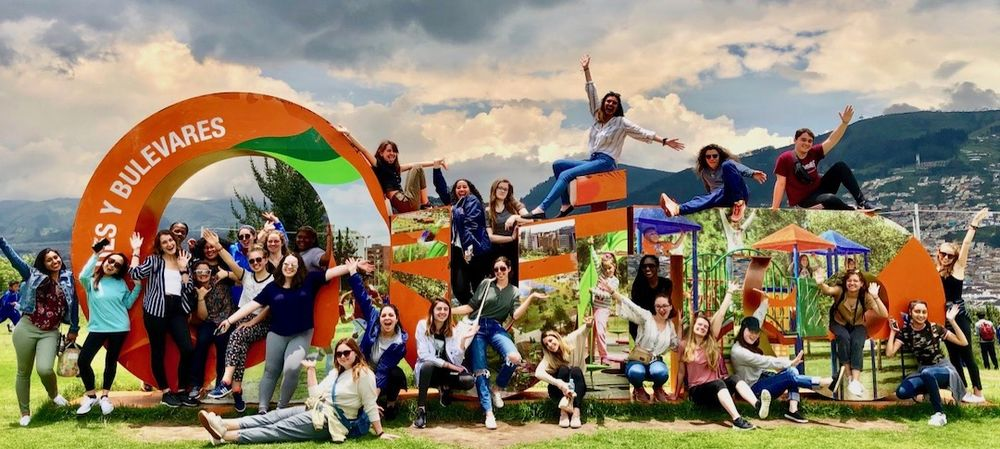 image of study abroad students in Oveido